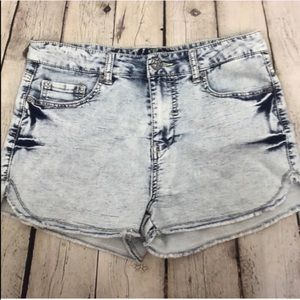 High Waisted Shorts Acid Light Wash